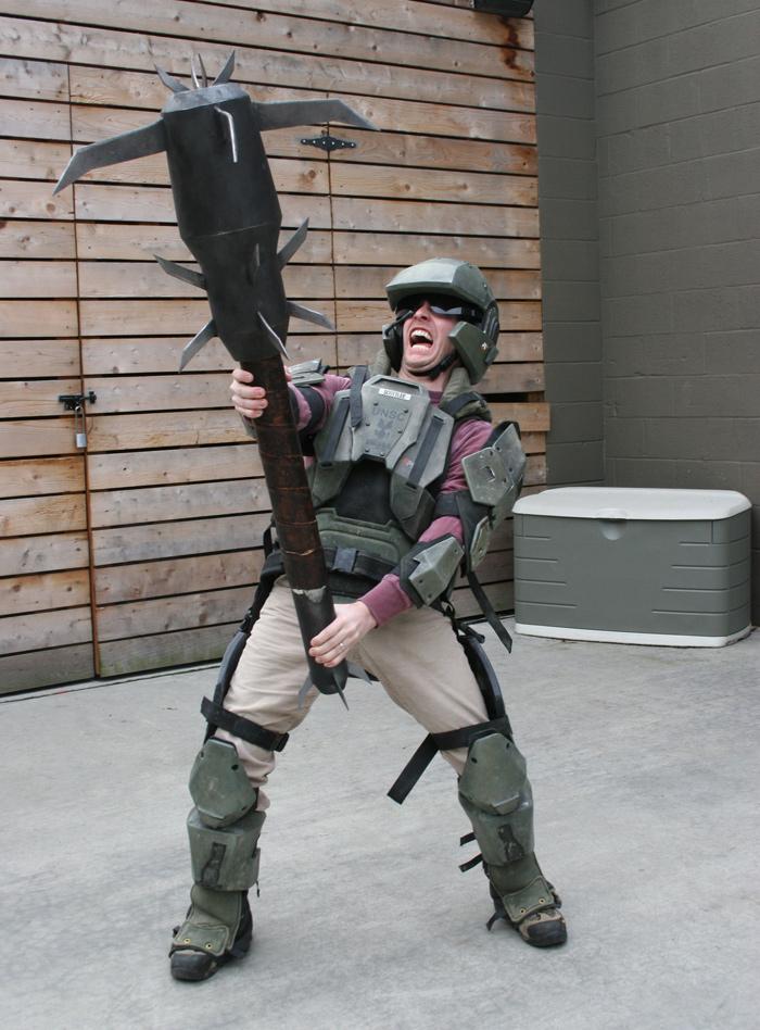 http://host.trivialbeing.org/galleries/halo-jan22-gun-props/update_marine.jpg