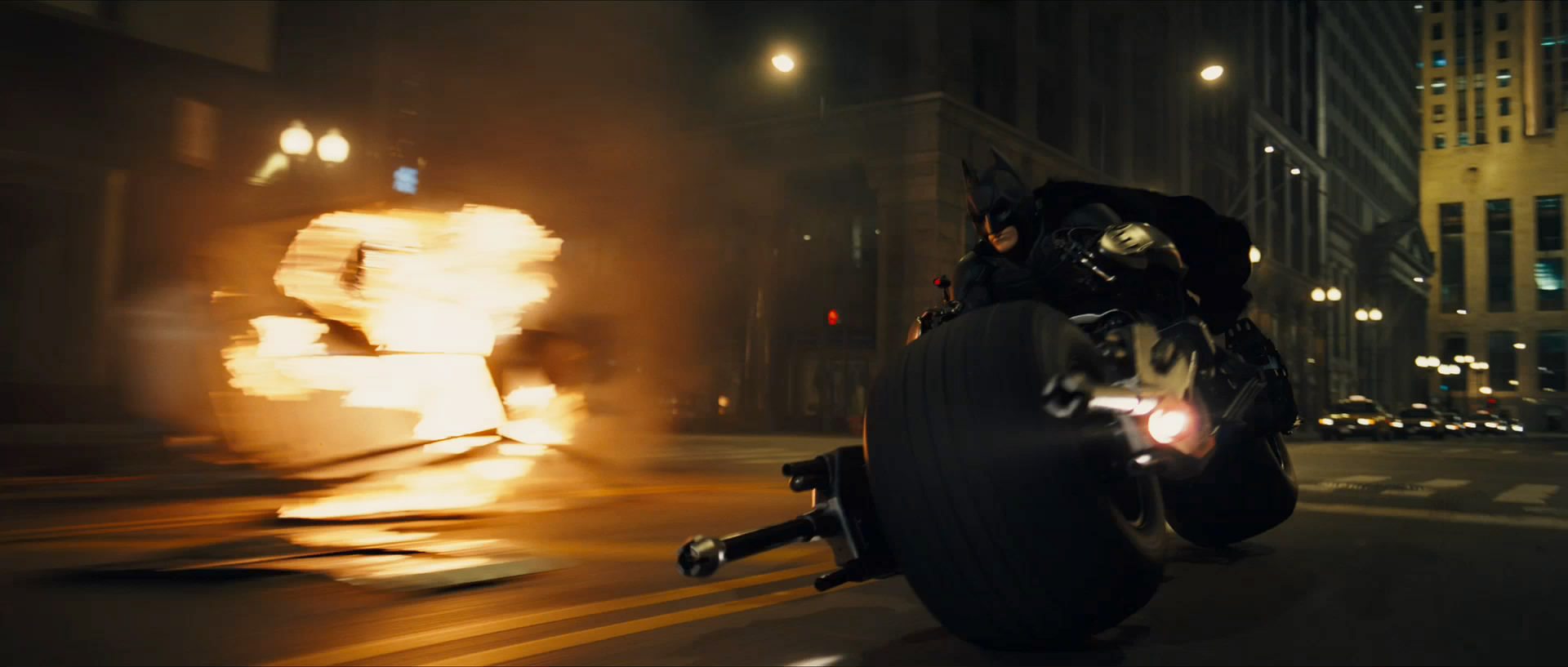 La Dark knight Trilogy de Christopher Nolan Bat-pod-snapshot20080504111443
