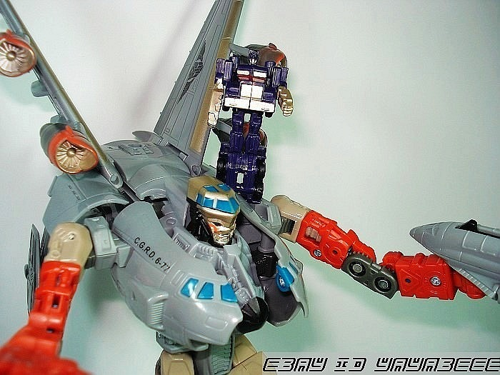 hercules plane toy with Autobot Aircraft Toy Spotted Carries Optimus Prime on ViewAuctionLots further Monsters University additionally Ripslinger moreover File House of Mouse TimonPumbaa jungle book meet oliver  26  pany likewise 741354591588712448.