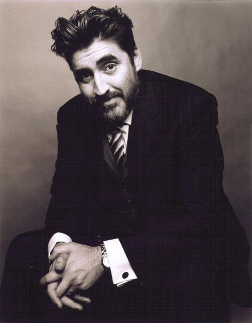 Alfred Molina to play Sheik Amar