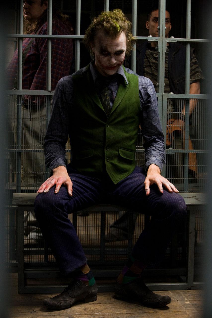 http://host.trivialbeing.org/up/tdk-dec11-joker-no-empire-hr_Movie_Stills_1.jpg